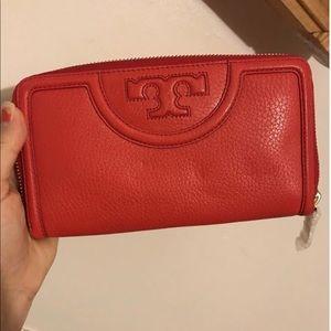 Tory Burch Kong wallet red